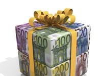 Paquet cadeau avec des billets en euros