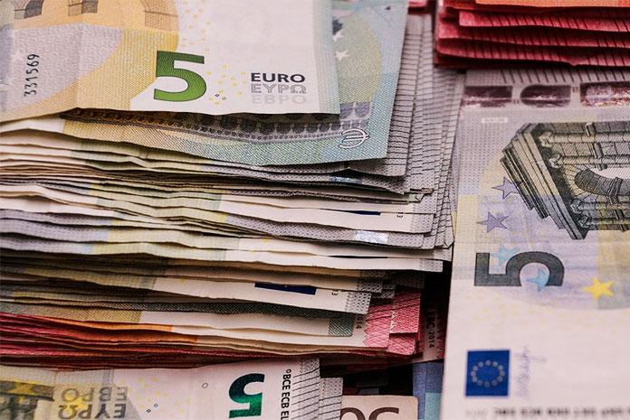 Argent liquide (billets en euros)